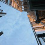 Waarom een dubbele trap het meestal wint van een ladder